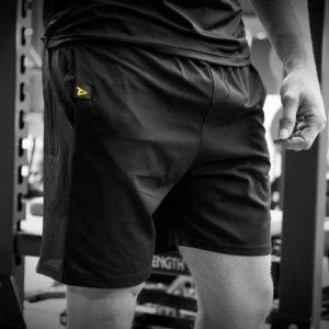 Mesh Shorts mit Markenprint