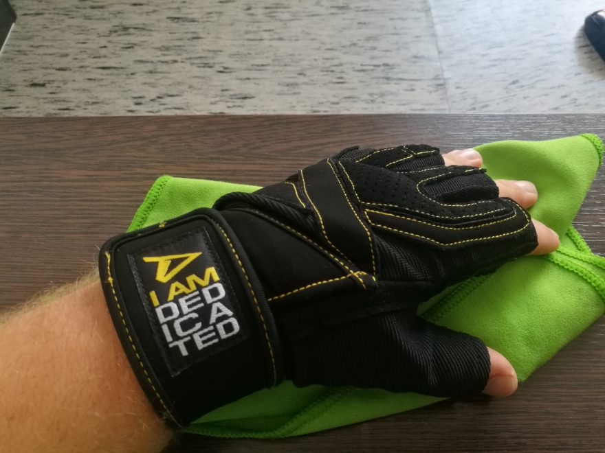 Dedicated Nutrition Fitness Handschuhe