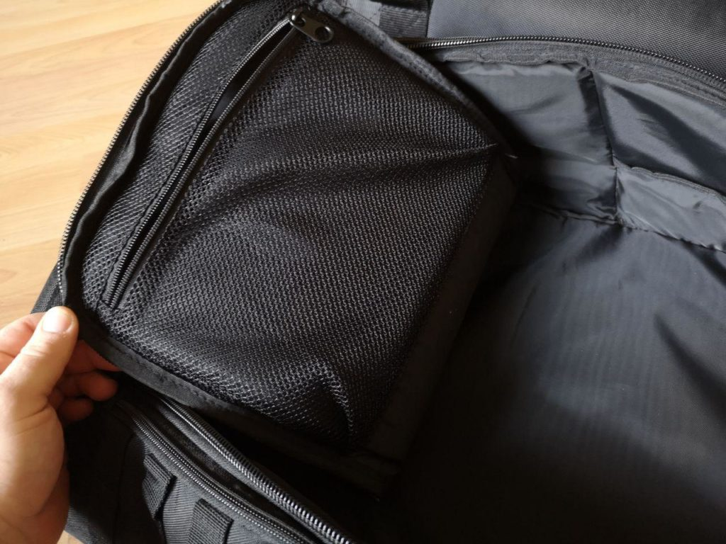 Praktische Netztaschen in den Fächern PHANTOM ATHLETICS Rucksack Tactic