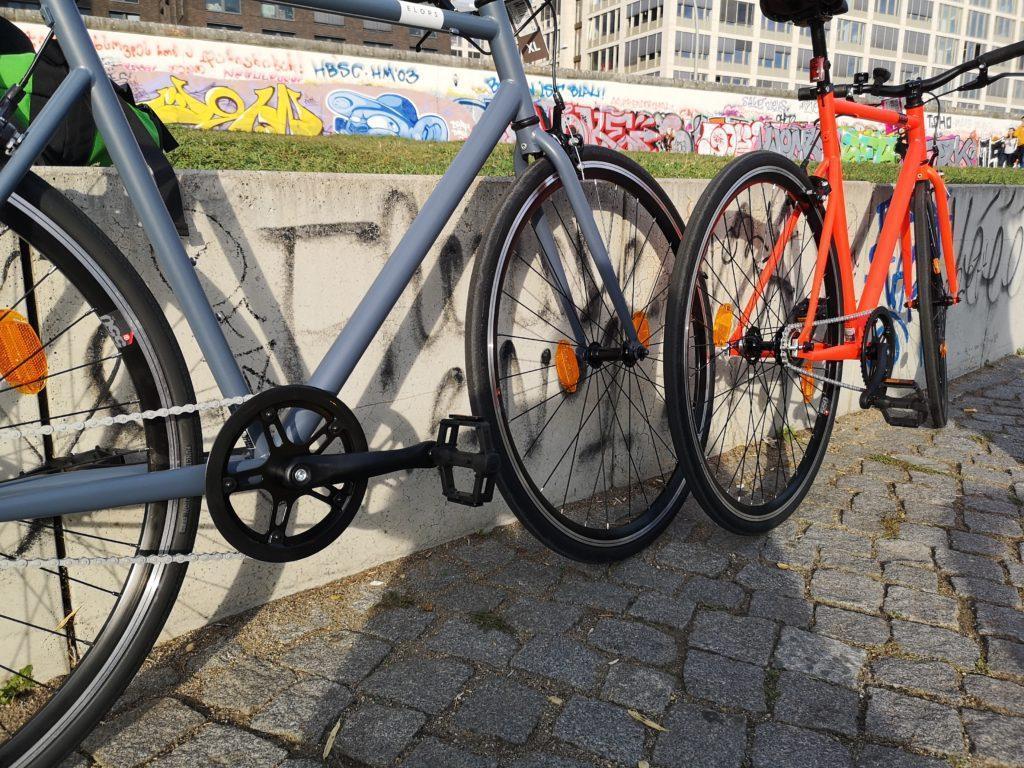 ELOPS 500 in zwei Farben - Neon-Rot und Blau-Grau